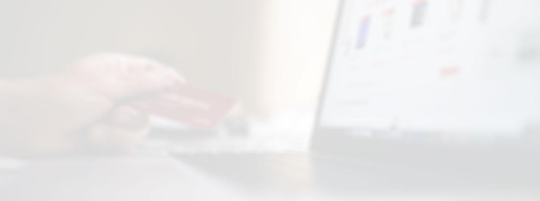 betalingskort og bærbar pc